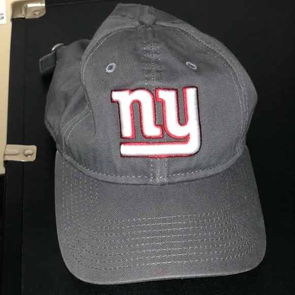 WOMENS NY GIANTS HAT. M 5bb7b2d73e0caadf42077c4c 60ea0c32c